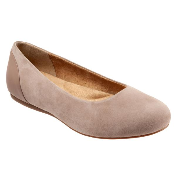 SoftWalk Womens Sonoma Cap Toe Ballet Flat